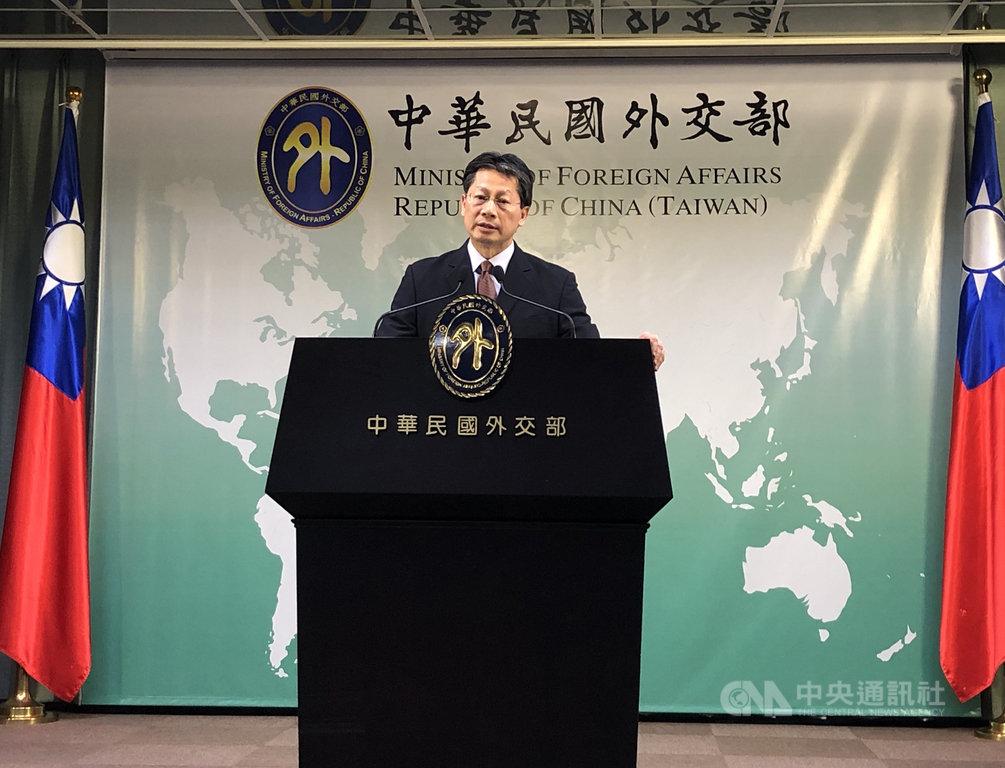 總統蔡英文正訪問友邦,媒體報導指中國國防部主動宣布將在東南沿海軍演。外交部發言人李憲章16日呼籲外界不要做過度揣測。中央社記者侯姿瑩攝 108年7月16日