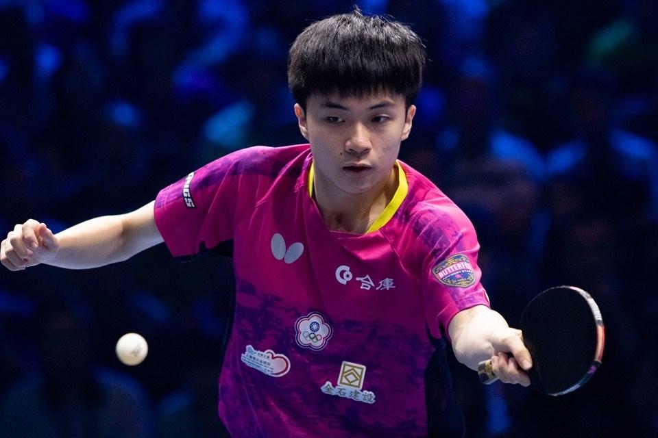 台灣「桌球神童」林昀儒21日在T2桌球鑽石賽馬來西亞站男單決賽中獲勝,以17歲年紀寫下傲人紀錄。(圖取自facebook.com/ITTFWorld)