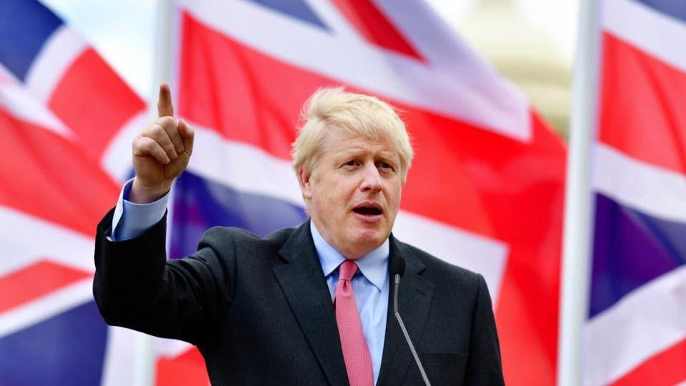 新任英國首相強生以言詞犀利著稱,但他不少的失言紀錄讓他被貼上種族歧視的標籤。(圖取自facebook.com/borisjohnson)