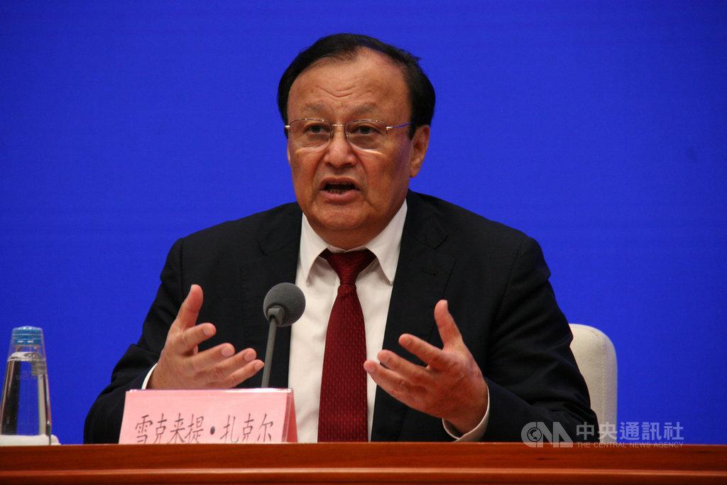 對於「再教育營」,新疆自治區主席雪克來提.扎克爾稱,如果外國媒體有問題,歡迎隨時到新疆,「看哪個教培中心都行」。中央社記者繆宗翰北京攝 108年7月30日