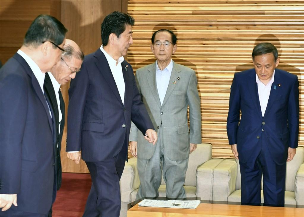 日本政府2日召開閣僚會議並通過新版「出口貿易管理令」。(共同社提供)