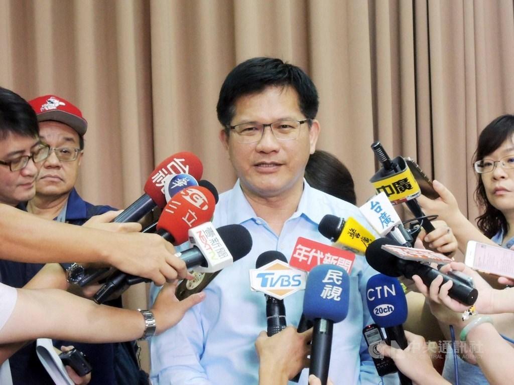 交通部長林佳龍3日接受媒體專訪強調,「國安局私菸案」這件事一切都不能隱瞞。(中央社檔案照片)