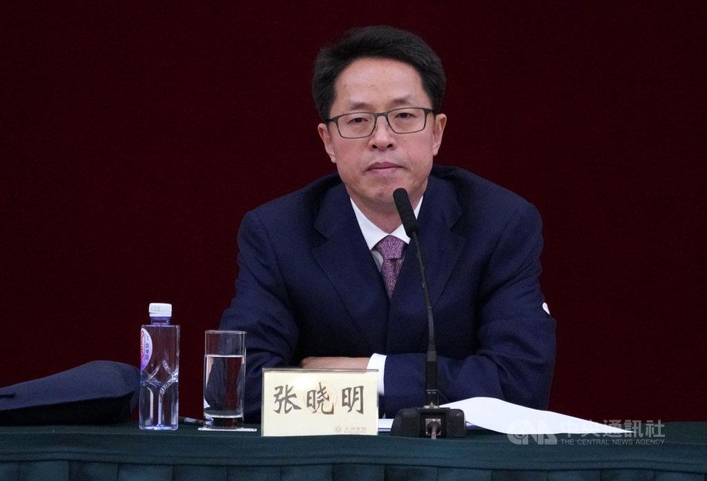 中國國務院港澳辦和香港中聯辦7日在深圳聯合召開香港局勢座談會,約500名香港社會各界人士出席。圖為港澳辦主任張曉明在大會發表講話。(中通社提供)中央社 108年8月7日