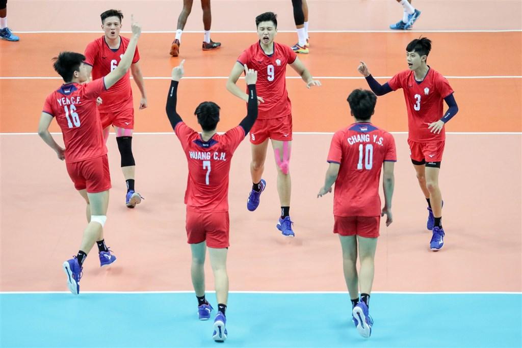 中華隊11日在亞洲U23男子排球錦標決賽以3比1獲勝,收下隊史首冠。(圖取自facebook.com/AsianVolleyballConfederation)