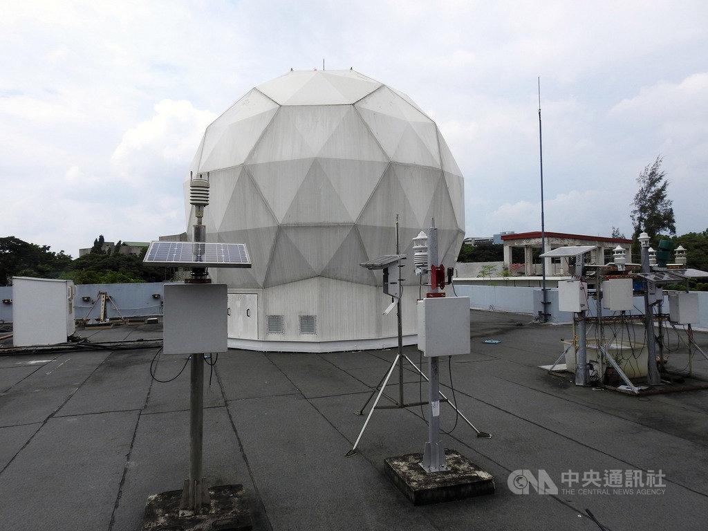 菲國總統杜特蒂8日簽署法案,將成立菲律賓太空總署。圖為位於菲律賓科技部轄下「先進科技研究所」的衛星地面接收站。中央社記者陳妍君馬尼拉攝 108年8月14日