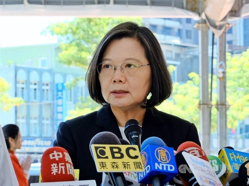 總統蔡英文14日說,香港人民追求自由民主,政府支持但不會介入,並強調「不要把情勢惡化的責任推卸給不存在的外力介入」。(中央社檔案照片)