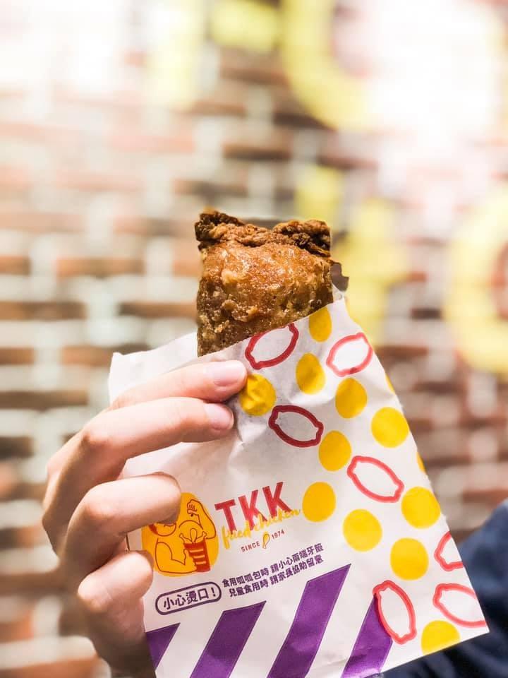 台式連鎖速食店頂呱呱獲得國際美食網站推薦為紐約25大炸雞店之一,文章更推薦台式點心呱呱包。(圖取自facebook.com/tkk.tw)
