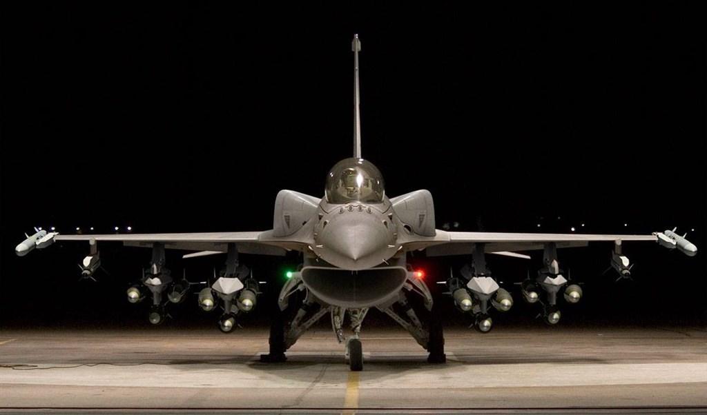 美國政府決定售台66架F-16V戰鬥機,國務院已非正式通知國會。(圖取自facebook.com/lockheedmartin)