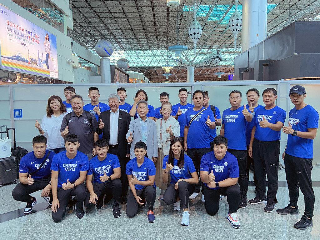 為備戰9月底將在卡達舉行的2019世界田徑錦標賽,中華田徑代表隊16日啟程前往日本靜岡展開移地訓練,為期1個月。(中華田協提供)中央社記者龍柏安傳真 108年8月16日