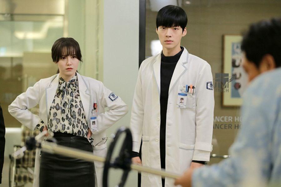 南韓演員具惠善(左)和安宰賢2014年因合作韓劇「吸血鬼醫生」熱戀。(圖取自KBS world網頁kbsworld.kbs.co.kr)