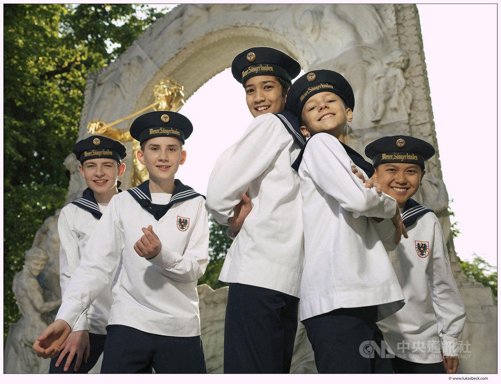 維也納少年合唱團今年連續第15年訪台,這群來自多瑙河畔,傳唱超過520年的小天使,將再度為台灣觀眾帶來天籟般的音樂饗宴。(傳大藝術提供)中央社記者趙靜瑜傳真 108年8月20日