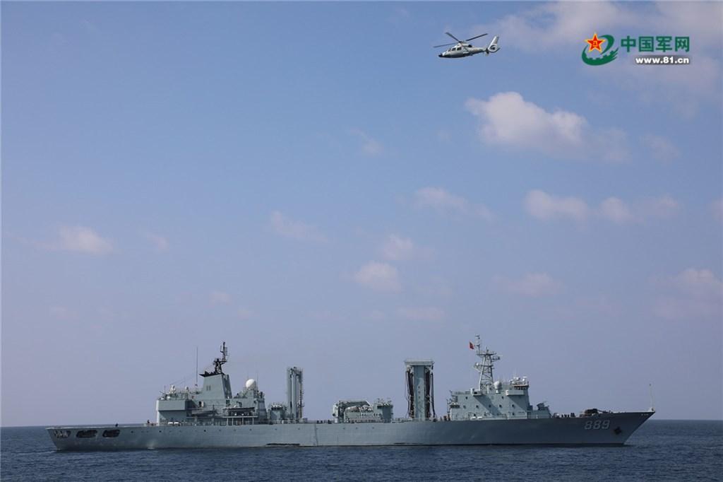 由於中國軍艦與潛艦頻頻在印太地區活動,印度與法國可能簽署海上監控協定,強化雙邊合作。圖為中國海軍補給艦太湖號。(圖取自中國軍網81.cn)