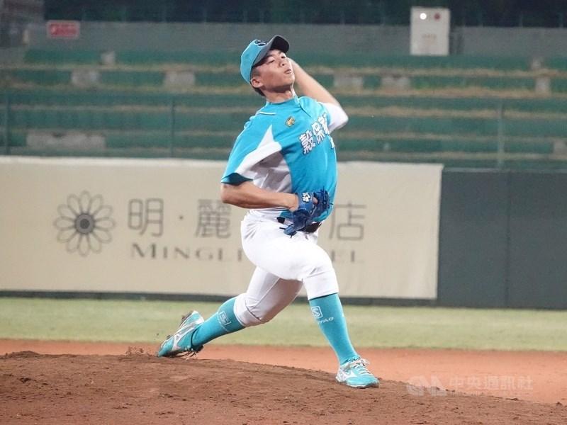 畢業於穀保家商、U18世界盃青棒賽台灣培訓隊的左投王彥程,以育成球員合約加盟日本東北樂天金鷲隊。(中央社檔案照片)