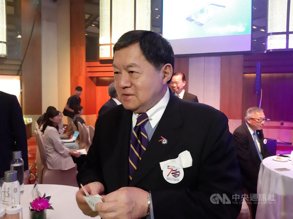 遠東集團董事長徐旭東(圖)21日在「HAPPY GO Pay點金GO未來」記者會表示,遠東集團很少參加政治,與紅藍綠黃金都無關,就是努力拚經濟。中央社記者潘智義攝             108年8月21日
