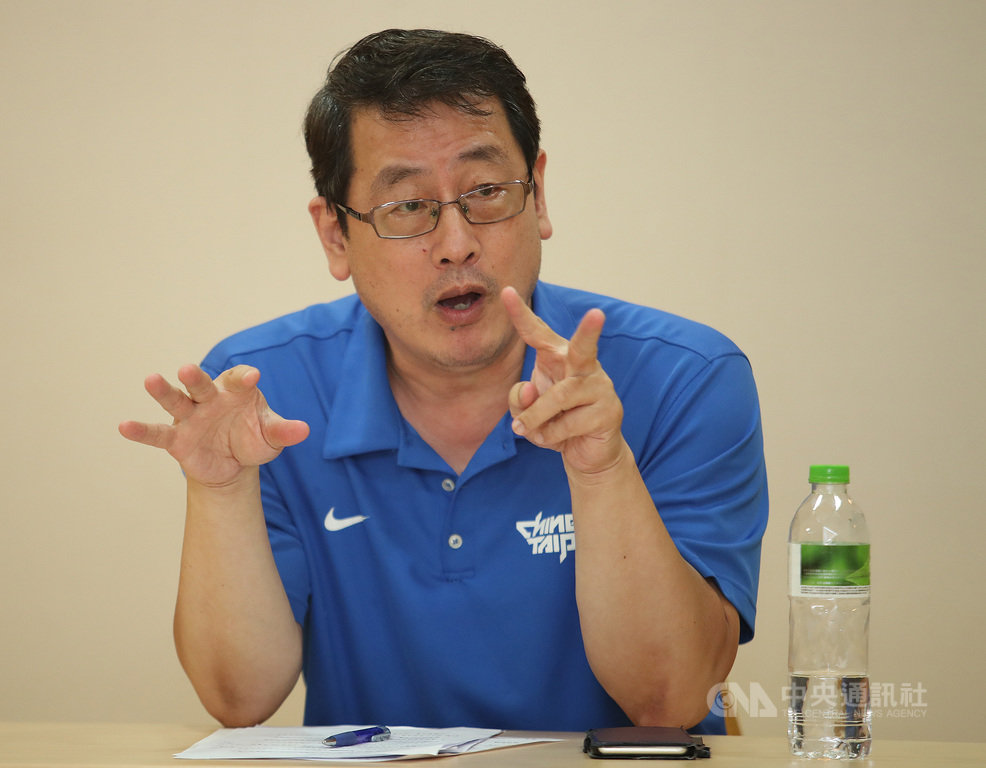 中華民國籃球協會21日在體育署召開SBL球團會議,會後籃協秘書長李一中(圖)向媒體說明會中決議事項。中央社記者張新偉攝  108年8月21日