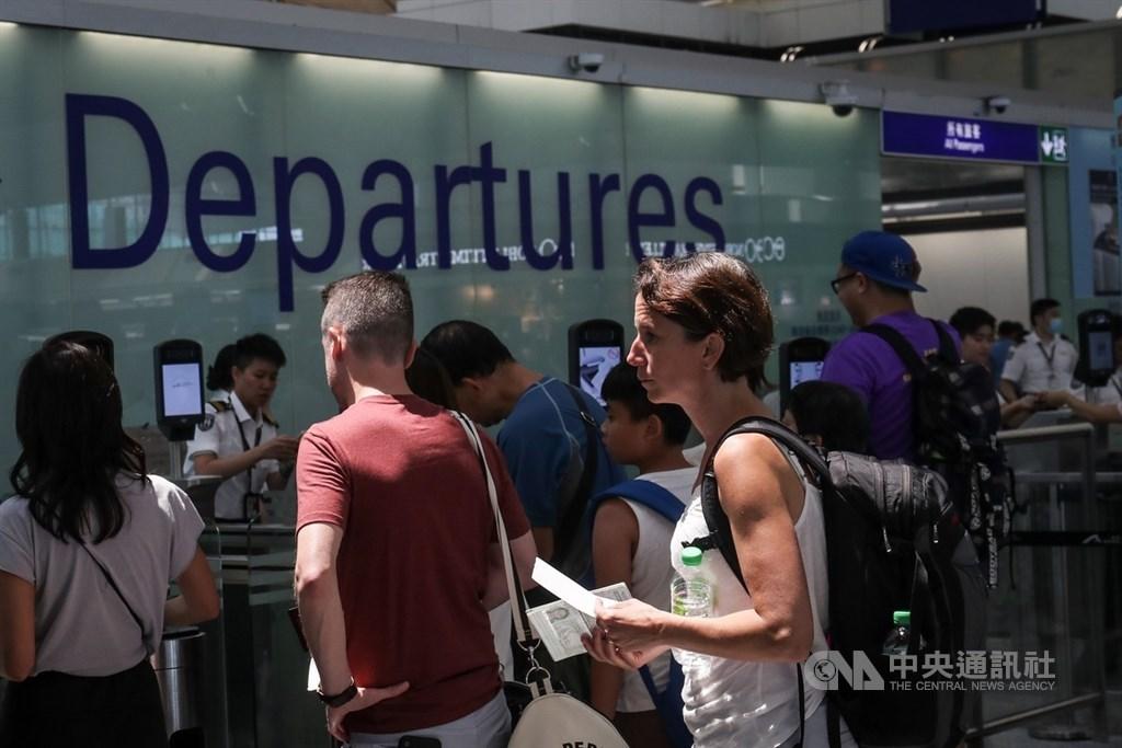 香港高等法院23日宣布延長機場的禁制令,禁止任何人非法地及有意圖地故意阻礙或干擾香港國際機場的正常運作。(中央社檔案照片)