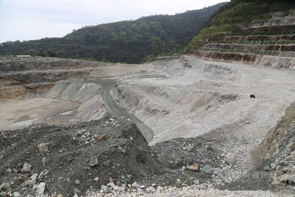 台北高等行政法院7月撤銷經濟部先前准予亞泥已展延的礦權,經濟部決定不上訴。(中央社檔案照片)