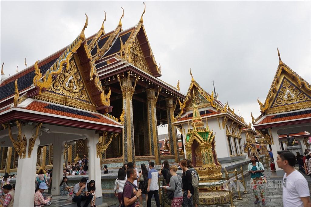 根據一項年度排名調查,泰國首都曼谷擊敗巴黎和倫敦,成為2018年全球最受遊客歡迎的城市,這也是曼谷連續第4年蟬聯觀光客造訪冠軍。圖為曼谷著名景點玉佛寺。(中央社檔案照片)
