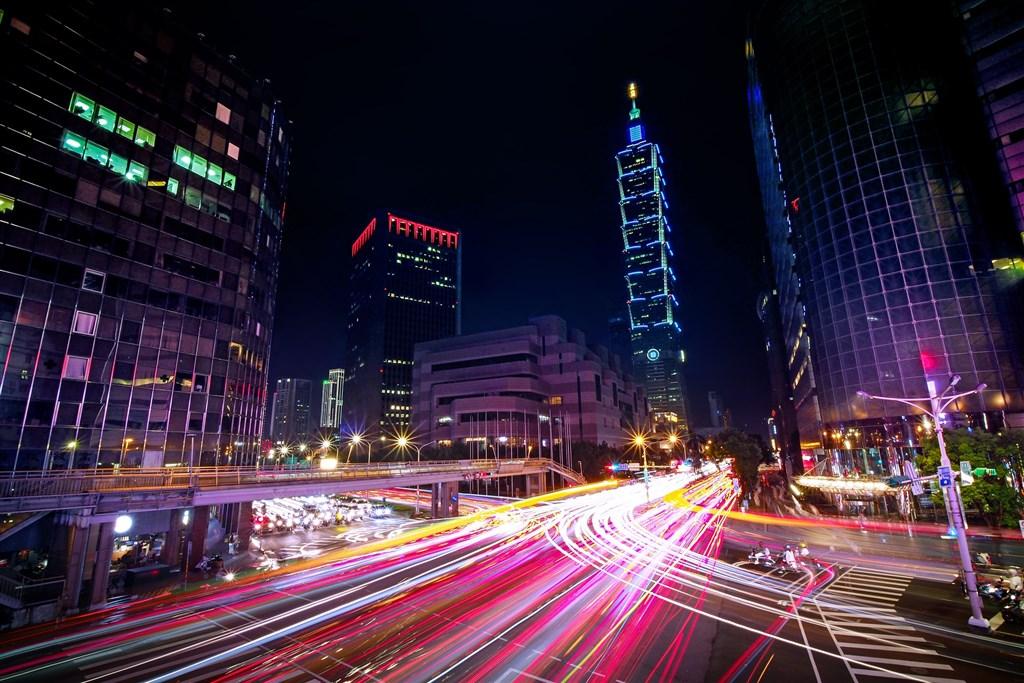 儘管美中貿易戰帶來極大的不確定性,台灣主計總處8月中旬逆勢上修2019年經濟成長率至2.46%;第2季經濟成長率2.40%,高居亞洲四小龍之冠。(圖取自Pixabay圖庫)