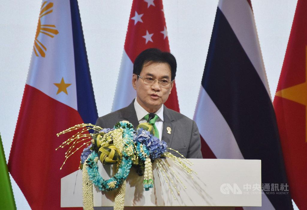 東協經濟部長級會議和RCEP部長級會議落幕,泰國副總理兼商業部長朱林(Jurin Laksanawisit)10日傍晚舉行總結記者會,重申各國2019年完成區域全面經濟夥伴協定(RCEP)談判的決心。中央社記者呂欣憓曼谷攝 108年9月10日