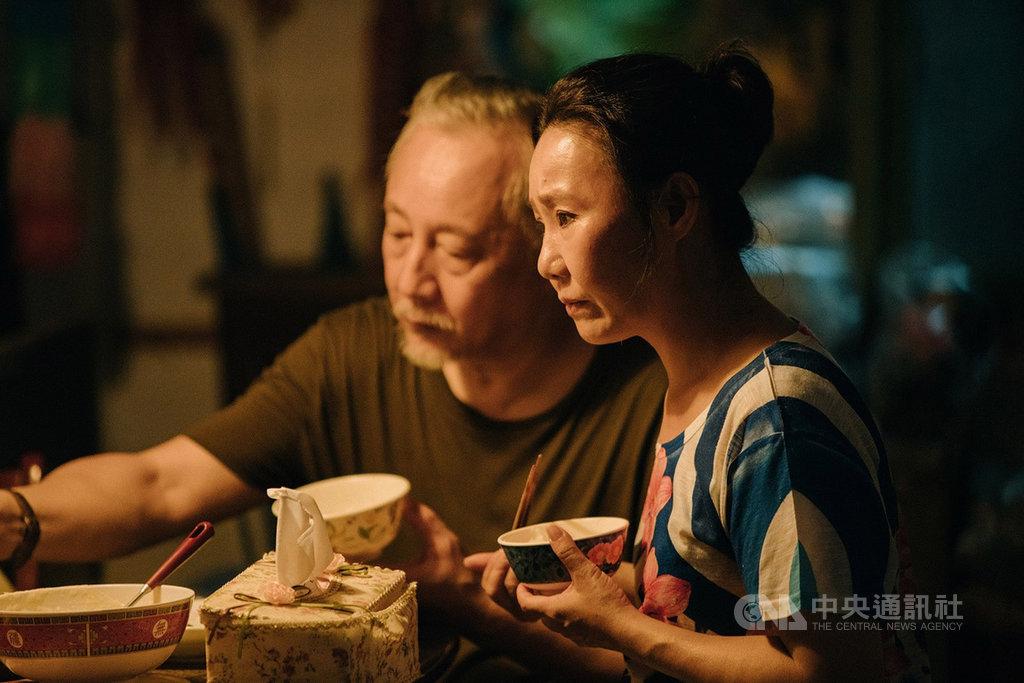 導演張作驥新作「那個我最親愛的陌生人」,獲選2019台北金馬國際影展開幕片,張作驥第3度與演員呂雪鳳(右)合作,講述一場家庭風暴。(金馬執委會提供)中央社記者洪健倫傳真  108年9月10日