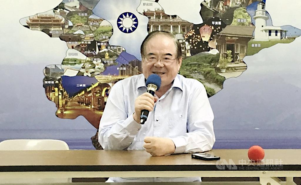 國民黨新北市黨部主委李乾龍(圖)10日出面說明,黨提名總統參選人韓國瑜日前在三重水漾公園舉辦造勢活動,損傷部分草皮,會儘速完成修復。中央社記者王鴻國攝 108年9月10日