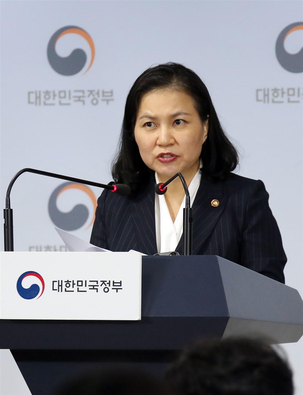 南韓產業通商資源部通商交涉本部長俞明希11日表示,南韓會向世貿組織申請雙邊諮商,作為解決日本嚴格管制3種關鍵原料出口的第一步。(韓聯社提供)