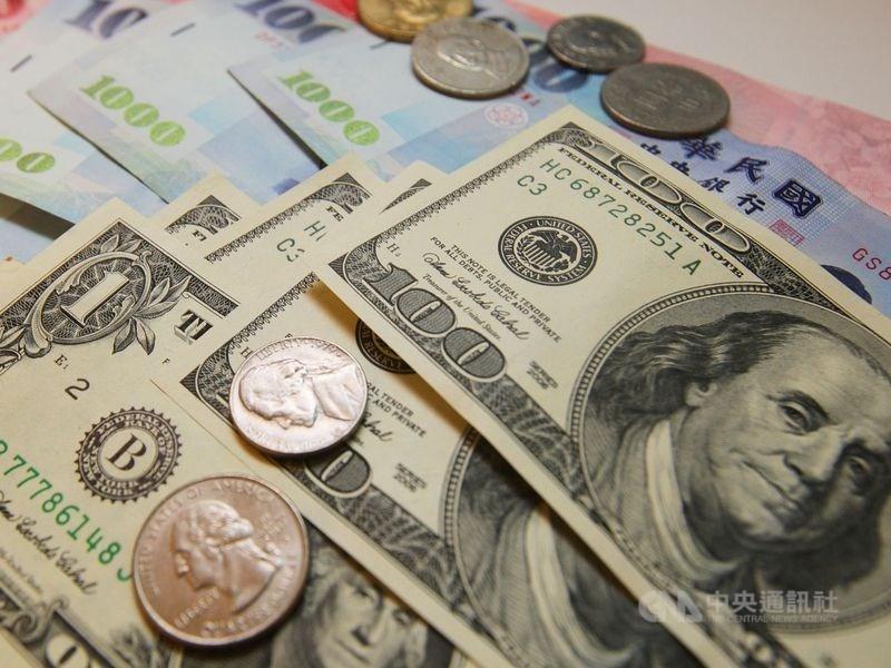 台北外匯市場新台幣兌美元12日收盤收31.055元,勁揚1.65角。(中央社檔案照片)