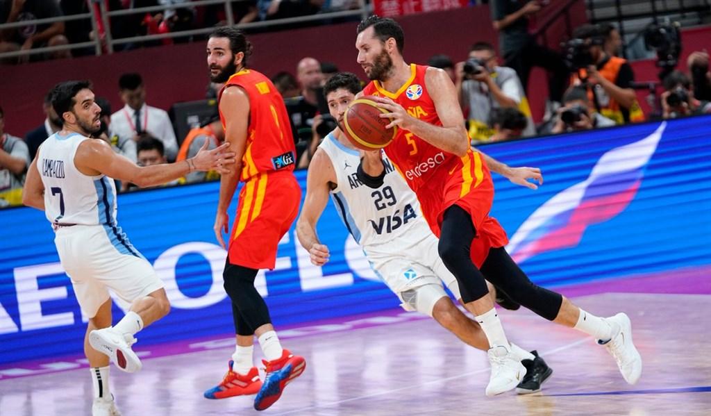 西班牙15日在世界盃男籃賽,以95比75擊敗阿根廷奪冠。(圖取自twitter.com/BaloncestoESP)