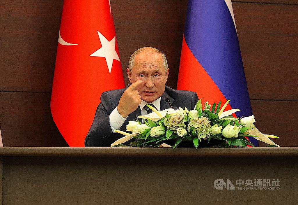 土耳其、俄羅斯、伊朗16日召開三方高峰會。沙烏地阿拉伯石油設施遇襲後,俄羅斯總統蒲亭(圖)在聯合記者會中說,準備好對沙烏地出售防空飛彈系統。中央社記者何宏儒安卡拉攝   108年9月17日