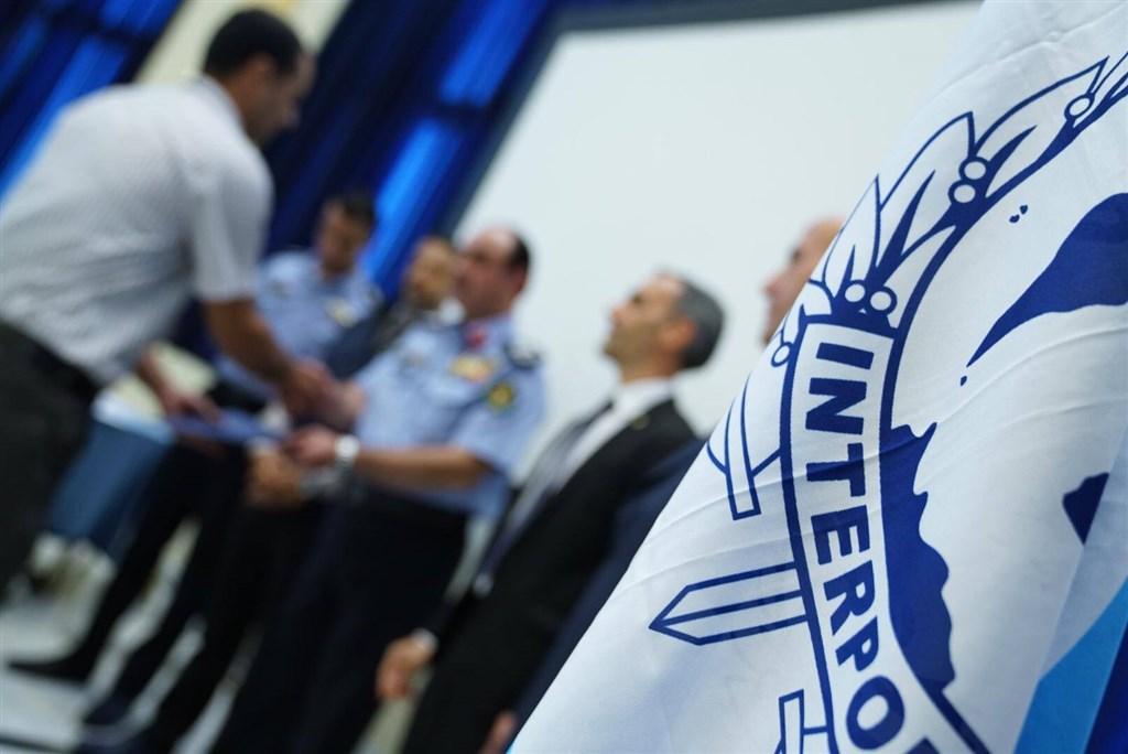 47位美國聯邦眾議員聯名致函美國司法部長巴爾與國務卿蓬佩奧,支持台灣以觀察員身分參與國際刑警組織(圖),以免造成全球防治犯罪缺口。(圖取自facebook.com/InterpolHQ)