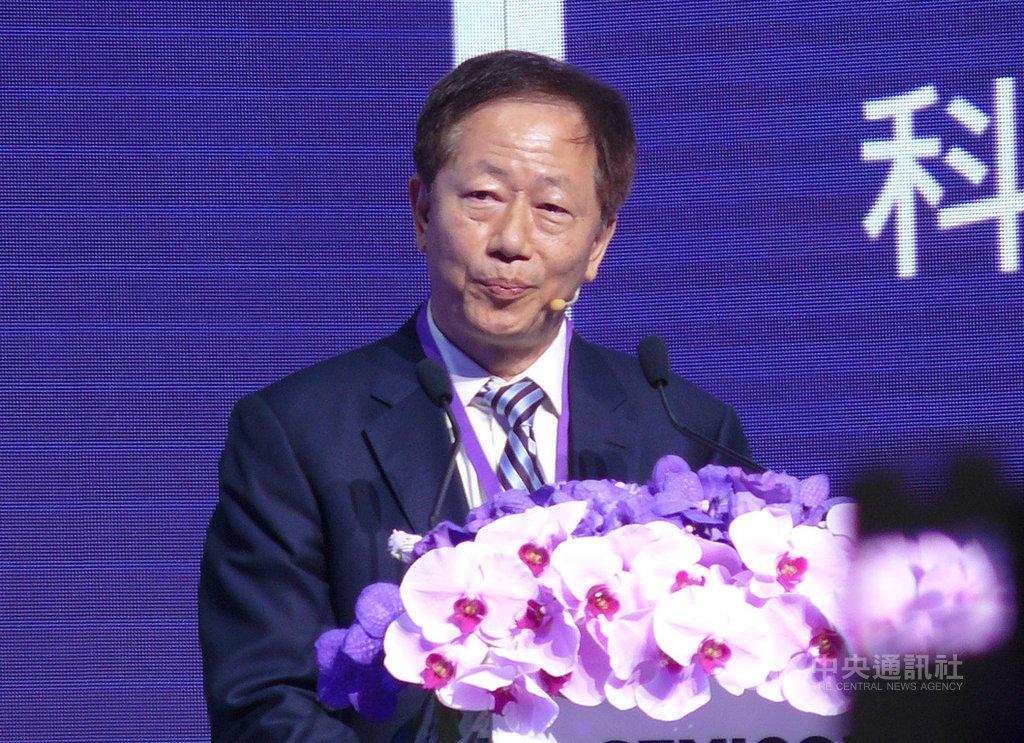台積電董事長劉德音18日下午出席國際半導體展科技智庫領袖高峰會,他對台灣半導體發展提出4點建議,包括半導體要發展成為全球不可或缺的科技夥伴。 中央社記者鍾榮峰攝  108年9月18日
