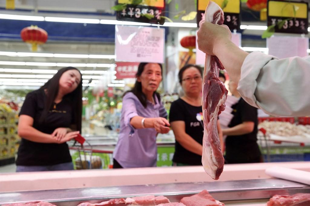 負責中國中央儲備冷凍豬肉投放工作的華商儲備商品管理中心,19日向市場投放冷凍豬肉一萬噸。(中新社提供)中央社 108年9月18日