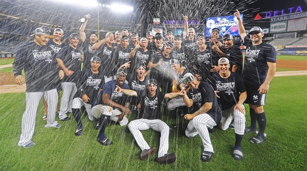 美國職棒大聯盟MLB紐約洋基隊19日主場9比1大勝洛杉磯天使,也是自2012年以後再度於美國聯盟東區封王。(圖取自twitter.com/yankees)