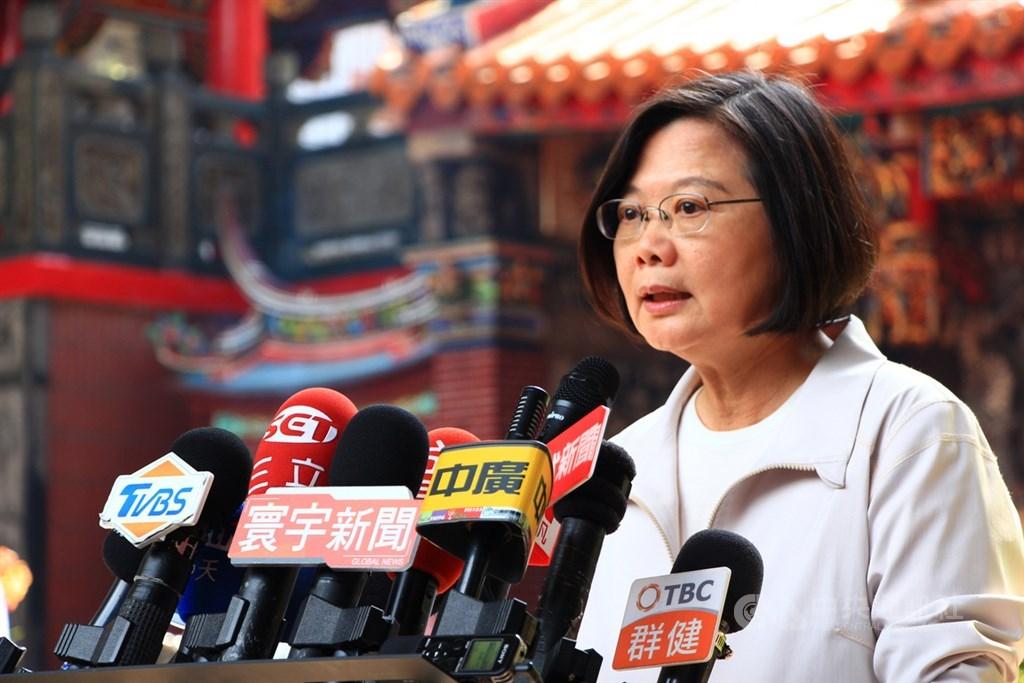 總統蔡英文21日表示,中國對台灣的打壓,不會因為不同人執政而不一樣,台灣人只有一條路「團結、堅定信念、勇敢承擔」,讓中國不會得逞、不能步步進逼。(中央社檔案照片)