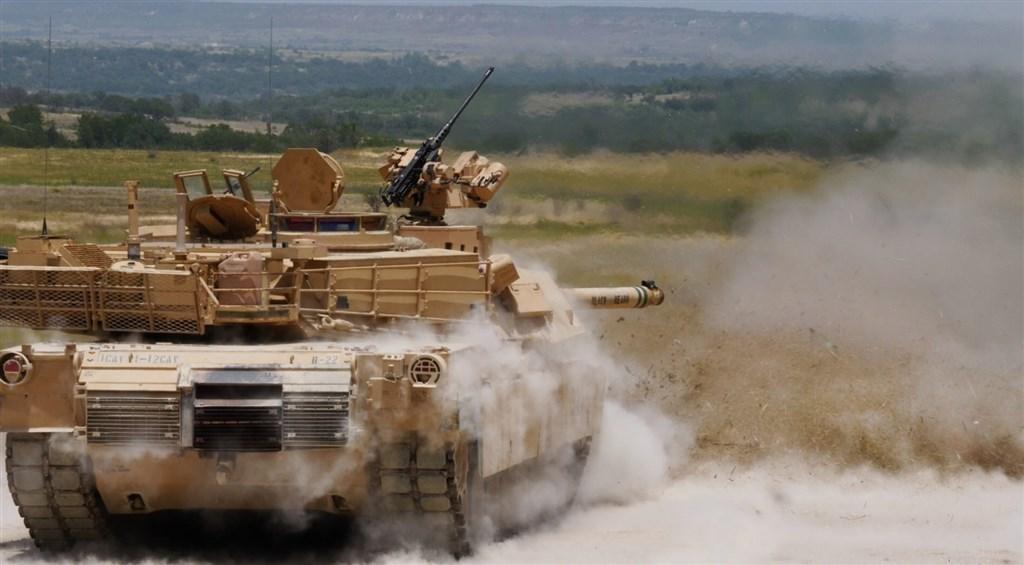 陸軍參謀長楊海明25日表示,國軍向美方購買的首批M1A2T戰車(圖),預計民國111年在美國交貨。(圖取自美國陸軍網頁army.mil)