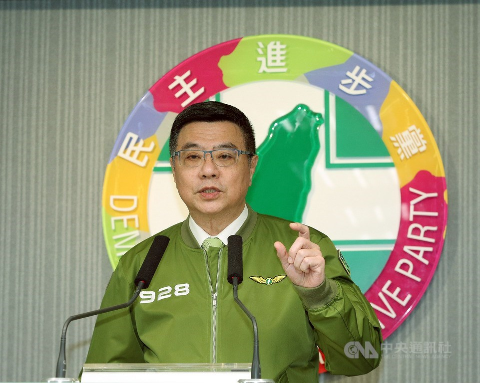 民進黨總統初選民調將台北市長柯文哲納入對比,但最後柯文哲並未登記連署;民進黨主席卓榮泰(圖)25日在黨中常會後記者會中,首度為政治判斷有所落差表達歉意。中央社記者郭日曉攝 108年9月25日