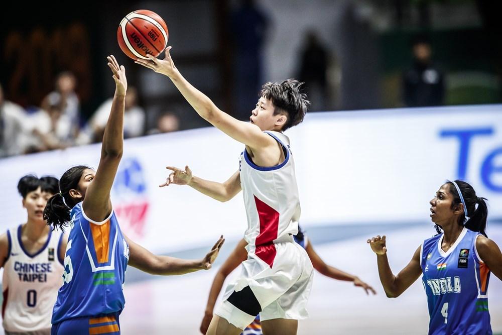 吞下2連敗的中華女籃26日在亞洲盃小組賽,以87比58輕取地主印度隊,拿下本屆亞洲盃首勝。(圖取自FIBA官網http://www.fiba.basketball/)