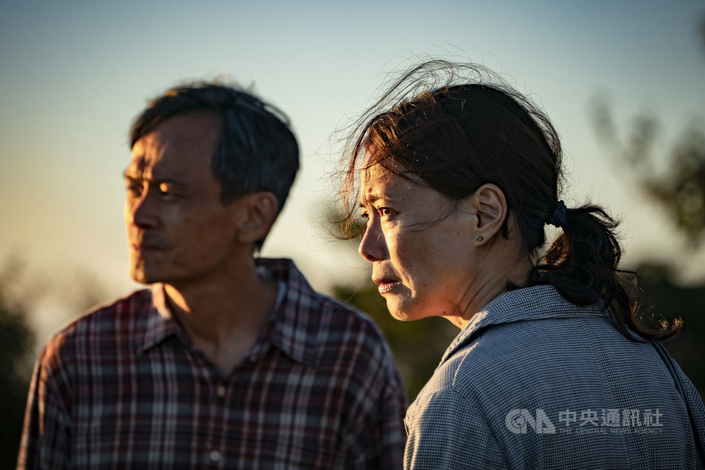 國片「陽光普照」劇情感人,入圍第56屆金馬獎最佳原著劇本獎,身為人父的導演鍾孟宏表示,如果沒有和孩子成長,就寫不出這個故事。(甲上娛樂提供)中央社記者洪健倫傳真  108年10月3日