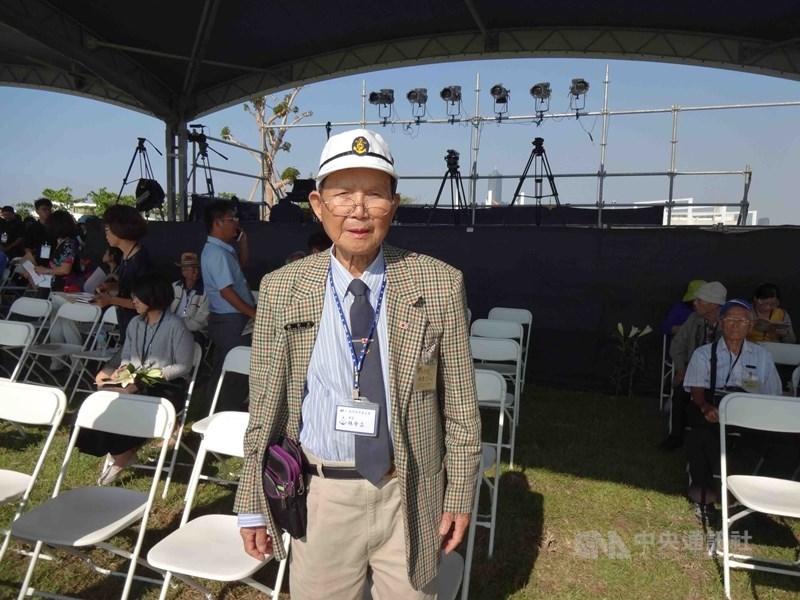 92歲的林余立(前)等3名出生於日治時期的台灣人認為,二次大戰結束後喪失日本國籍是日本政府作法不當,近期將向大阪地方法院提告,確認擁有日本國籍,這項訴訟將創首例。(中央社檔案照片)
