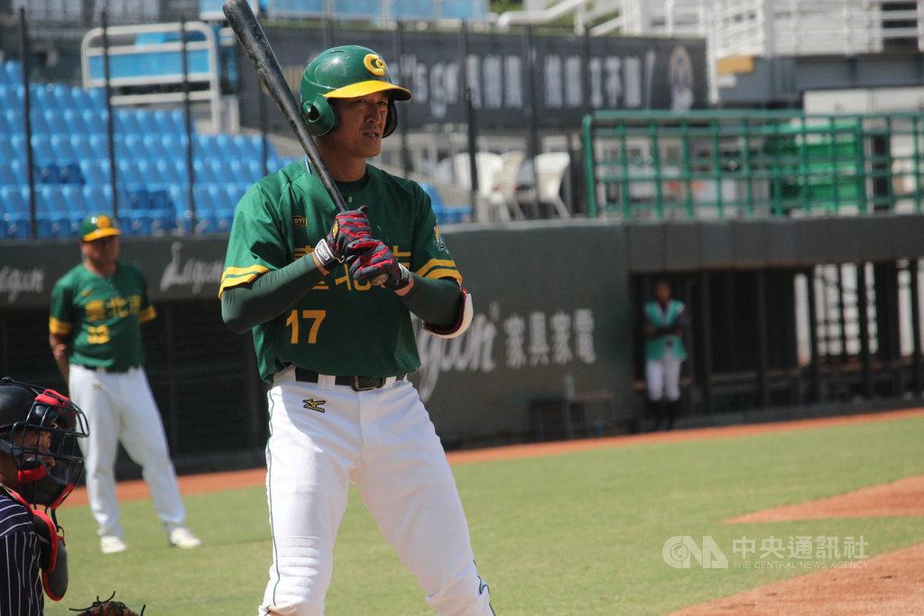 2019全國運動會棒球項目台北市隊9日奪冠,本來已轉任教練的林加祐(圖)重新擔任選手,本屆賽會敲出2發全壘打。中央社記者楊啟芳攝 108年10月9日