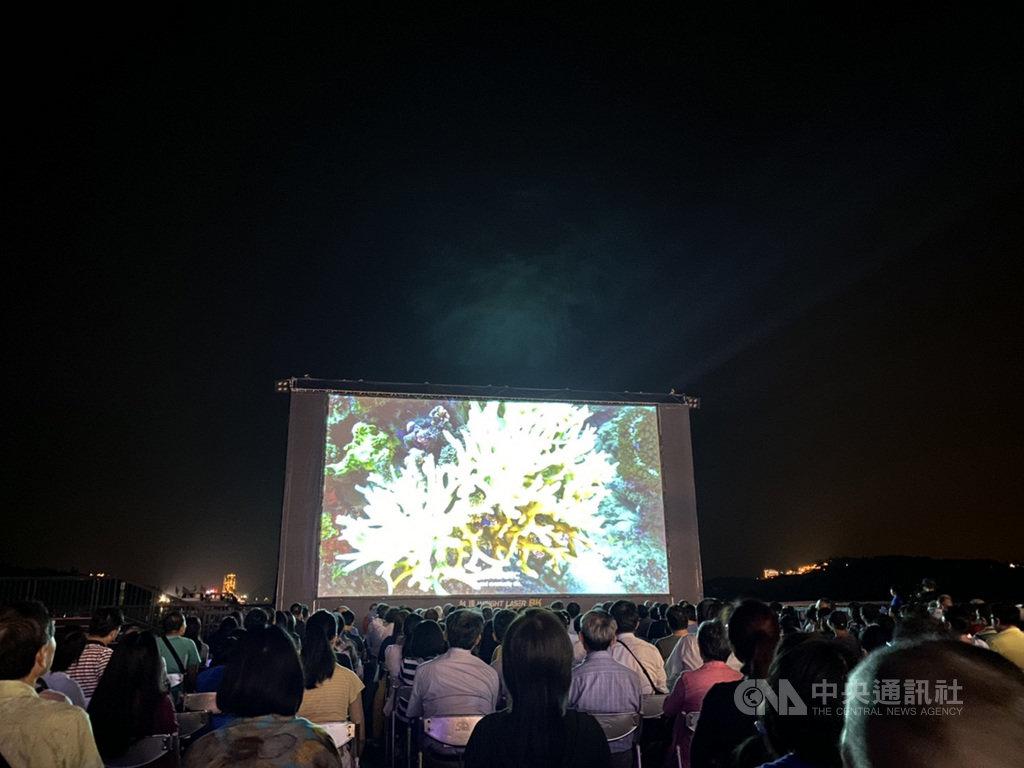 台達電領先全球研發出的8K投影機,以世界最高亮度36000流明獨步全球,已獲日本東京奧運商機,並獲2022年北京冬季奧運青睞合作。中央社記者韓婷婷攝  108年10月10日