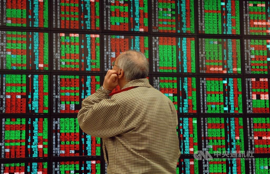 美股大漲帶動亞股全面跟進,16日早盤在台積電領軍下,指數衝至11180點,再創去年8月底以來新高。(中央社檔案照片)