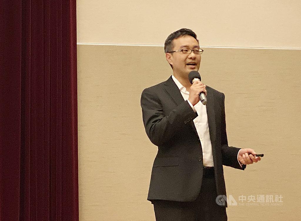 電商業者松果購物15日舉辦法人說明會,由董事長郭家齊(圖)主持,並宣布將於16日登錄興櫃交易。中央社記者吳家豪攝 108年10月15日