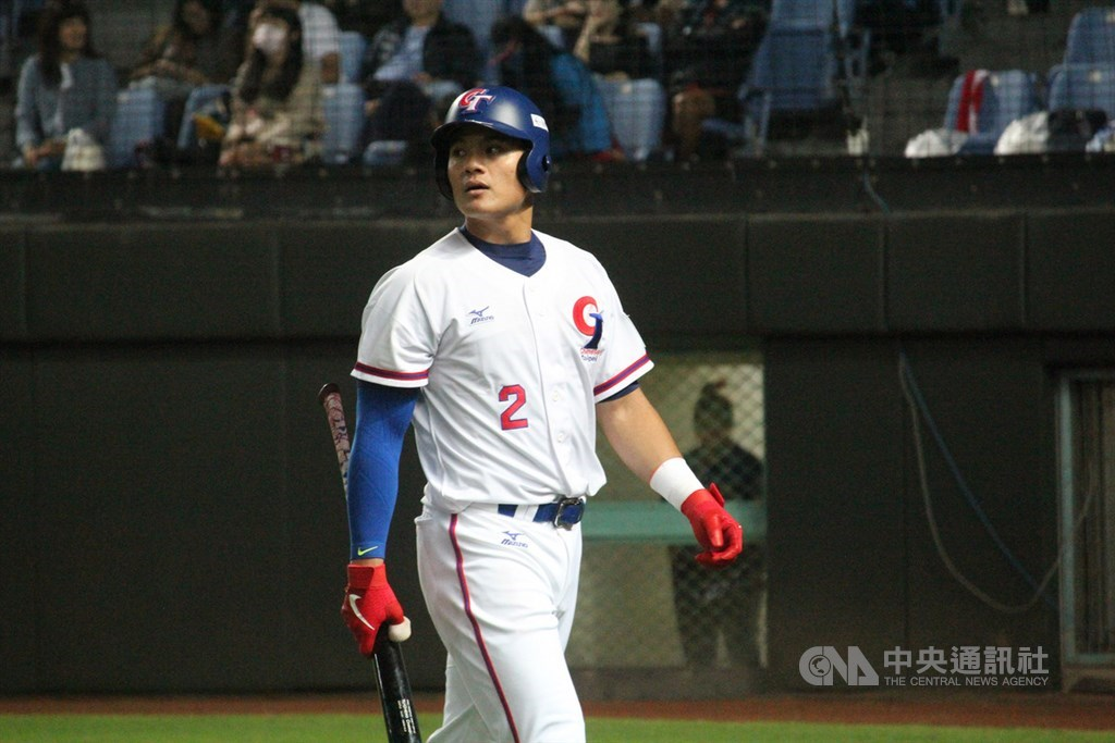2019第29屆亞洲棒球錦標賽,中華隊15日在斗六球場迎戰日本隊,中華打線不連貫,無法攻下分數,終場以0比2不敵日本,第4棒張育成(圖)也沒有安打演出。中央社記者楊啟芳攝 108年10月15日