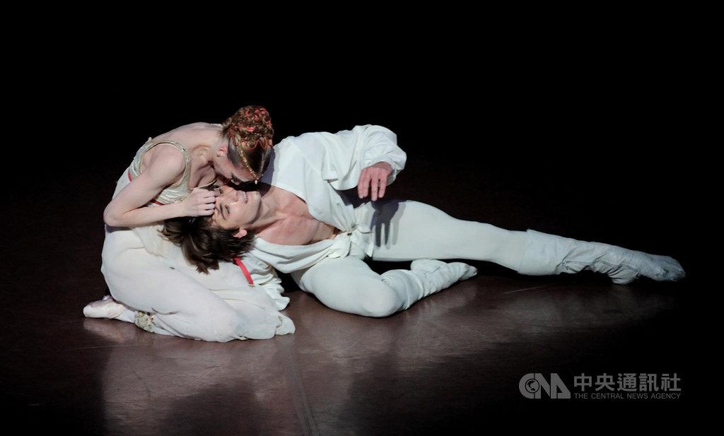 睽違35年,德國斯圖加特芭蕾舞團(Stuttgart Ballet)將於10月底第2度來台,並於高雄衛武營國家藝術文化中心演出該團的知名舞劇「羅密歐與茱麗葉」。(黑潮藝術提供)中央社記者洪健倫傳真 108年10月15日