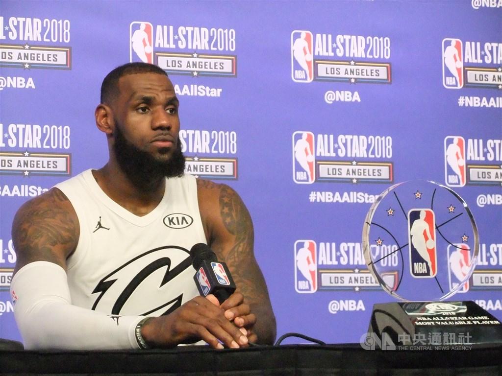 美國職籃球星「詹皇」詹姆斯推文批評摩瑞挺香港反送中的言論,引起大量轉貼與各界撻伐。(中央社檔案照片)
