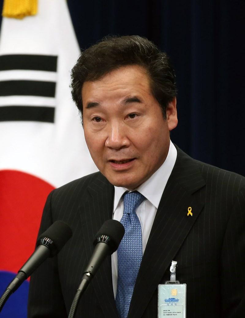 南韓國務總理李洛淵(圖)22日將出席日本德仁天皇的登基儀式,日本政府表示,雖為時已晚,但很慶幸他現在能訪問日本。(圖取自維基共享資源;作者Korean Culture and Information Service,CC BY 2.0)