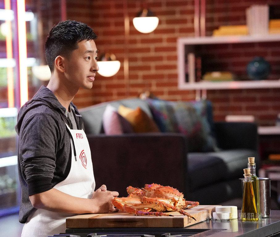 美國廚藝選秀節目「廚神當道」中出現台裔選手張程晅(Fred Chang)加入戰局,他在節目中所製作的甜點獲評審大力推崇。(Star World提供)中央社記者陳秉弘傳真 108年10月15日