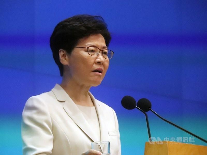 港媒報導,香港行政長官林鄭月娥(圖)稍早前會見歐盟官員時表示,在香港當前對立的氣氛下,重啟有關普選的討論並不可行。(中央社檔案照片)